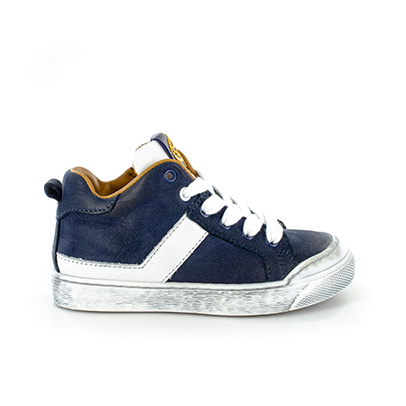GOSTY calf navy + white